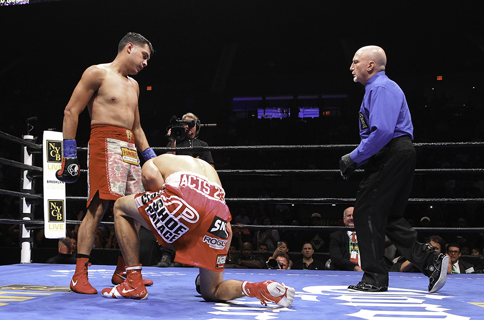 Omar Figueroa Drops Former Champion Robert Guerrero Five Times On His Way to Third-Round TKO