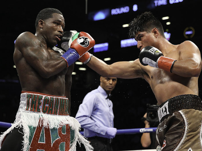 Adrien Broner vs Mikey Garcia Fight Photos