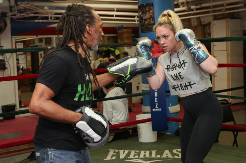 BROOKLYN'S HEATHER HARDY HEATED UP MENDEZ BOXING GYM AT AN OPEN MEDIA WORKOUT